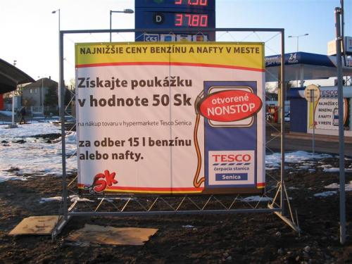 mobiln° banner 280 x 330 cm Tesco Senica (Medium)